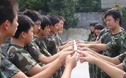 员工户外拓展培训活动增强团队凝聚力